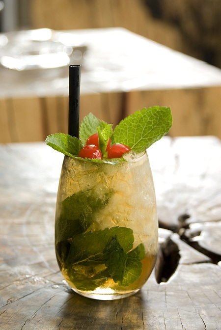southern and refreshing mint julep recipe from ultimate