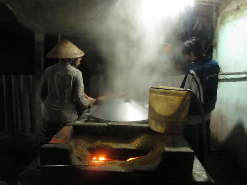 Rice noodle factory in Can Tho (2)