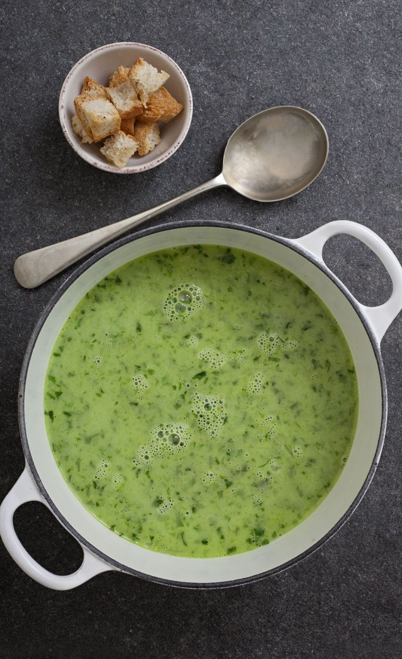 Lettuce_and_mint_soup