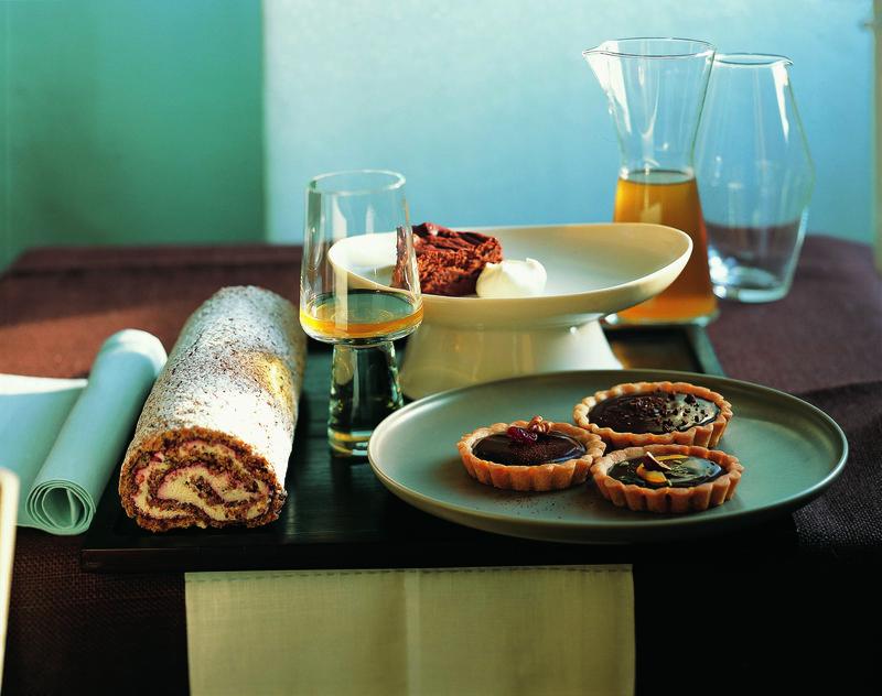 270-271_Cocoa Bean Almond Roulade