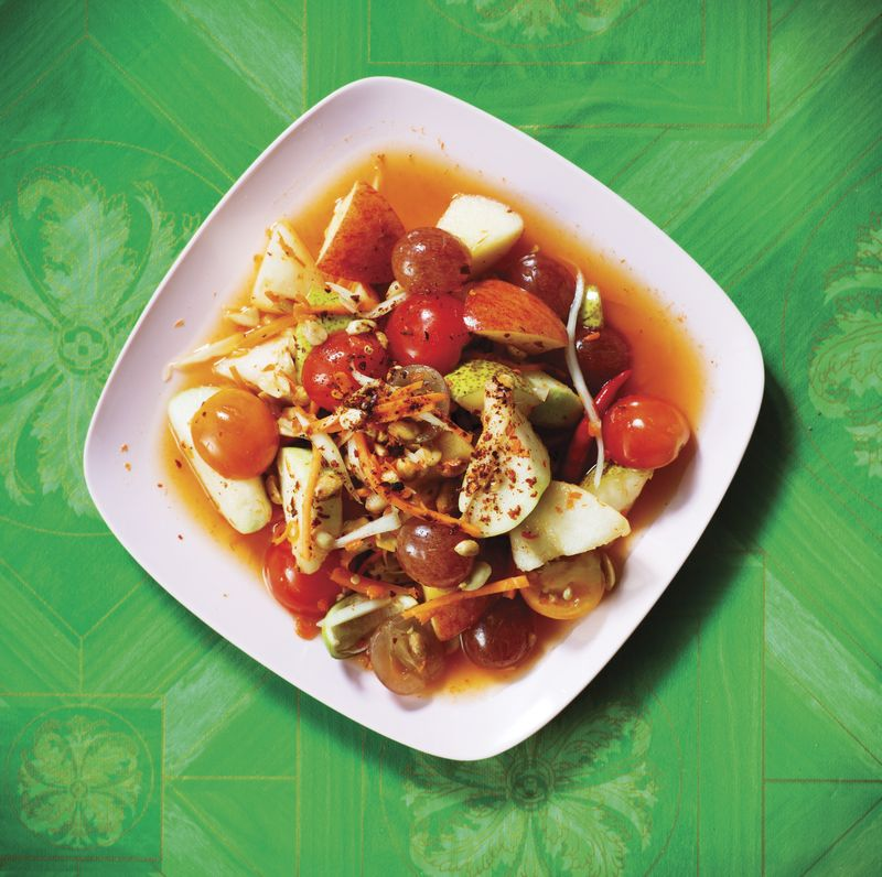 Som Tam Phonlamaay (thai fruit salad