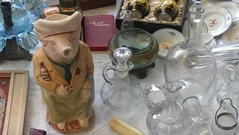 Pig and decanters